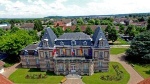 Hôtel de ville de Crépy-en-Valois (Oise)